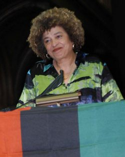 African American civil rights activist Angela Davis to Attend World Meeting on Cuban Five