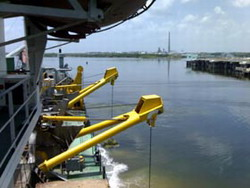 Cienfuegos oil refinery dock receives overhaul