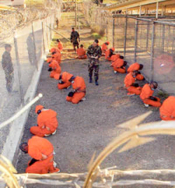 Commander defends Guantanamo, Cuba
