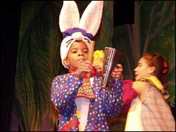 Cuban childrens theatre company La Colmenita in Russian Theatre Fest