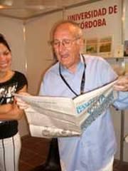 Caricaturista espanol Andres Vazquez dona a Cuba varias de sus obras