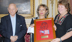 Venetian tapestry with the image of Che has been donated to Cuba
