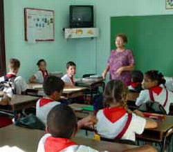 Cuba admits teacher drain due to low pay