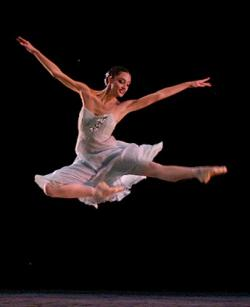In Havana 15th Meeting of Ballet Companies dedicated to the 60th anniversary of the National Ballet of Cuba.