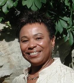 US Rep Barbara Lee heading to Cuba to talk tourism and trade