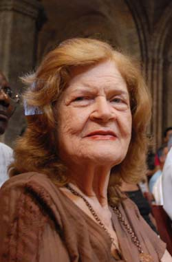 Cuban National Literature Award Carilda Oliver Labra receive the Rafael Alberti Award