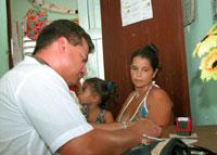Reorganiza y perfecciona Cuba sus servicios medicos en policlinicos y consultorios