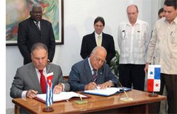 Cuba and Panama Sign Commercial Accords