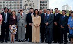 Argentinean President will hold official talks with Raul Castro
