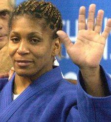 Decision arbitral deja a la judoca cubana Driulis Gonzalez sin medalla