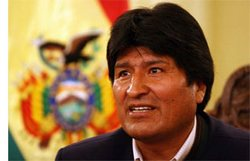 Evo Morales Recognizes Work of Cuban Doctors in Bolivia