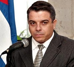 Cuban Foreign Minister Attends Ceremony for Future Diplomats