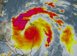 Felix moving over northeastern Nicaragua, major flood threat