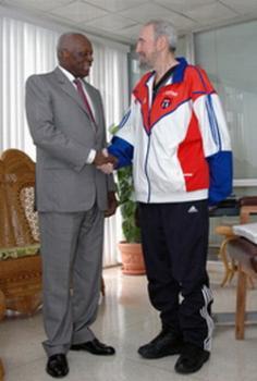 Fidel Castro meets dos Santos, Angolan President