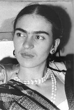 Artistas cubanos de la plastica rinden tributo a Frida Kahlo y Diego Rivera