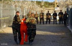 Gates: U.S. ''stuck'' in Guantanamo, Cuba