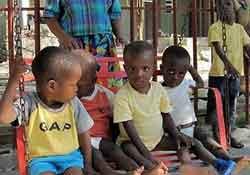 haiti ninos jugando