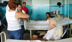 En Cienfuegos Cuba restauran salas de los hospitales