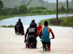 Evacuated thousands of people in the Cuban eastern provinces due to rains