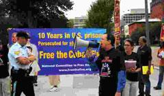 Cinco personas fueron arrestadas en la manifestacion por los Cinco frente a la Casa Blanca