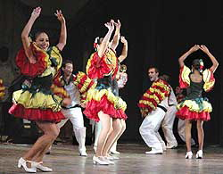 Cuban group Maraguán opens 1st International Folklore Festival in Chile.
