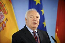 Spanish  Foreign Minister, Moratinos says that Obama follows the Spanish politics with Cuba