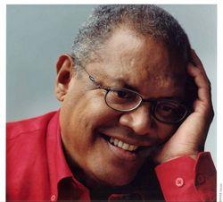 El cantautor cubano Pablo Milanes en Megaconcierto dedicado a Salvador Allende en Chile