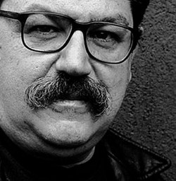 En Feria del Libro de Cuba Tony Guiteras. Un hombre Guap de Paco Ignacio Taibol II.