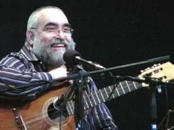 Cuban Singer Pedro Luis Ferrer Captivates Public in Las Tunas
