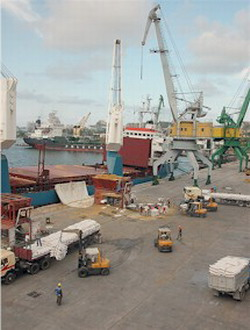 Cuba container terminal in the port of Mariel is being studied by Dubai ports