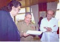 Cuban President Raul Castro met with outstanding Spanish academic and artist Luis Eduardo Aute