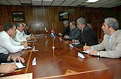 Raúl receives Iranian minister of industry and mines