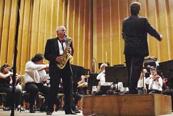 En Camaguey Cuba Concierto de Orquesta Sinfonica