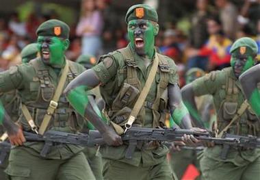 Llega a Cuba delegacion militar venezolana
