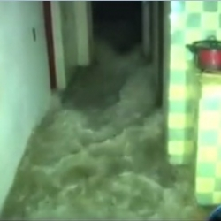 VIDEO: The sea entered a house in Baracoa, Cuba
