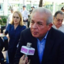 Miami Mayor against Cuban consulate in the city